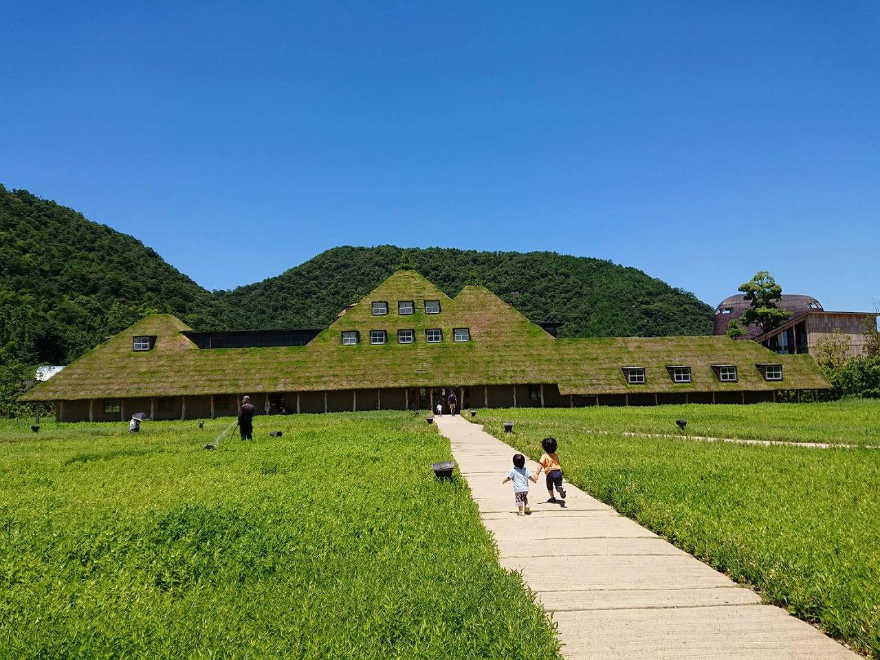 滋賀観光スポット巡り1泊2日旅行!@子どもが喜んだのはラコリーナ、雄琴温泉、近江神宮